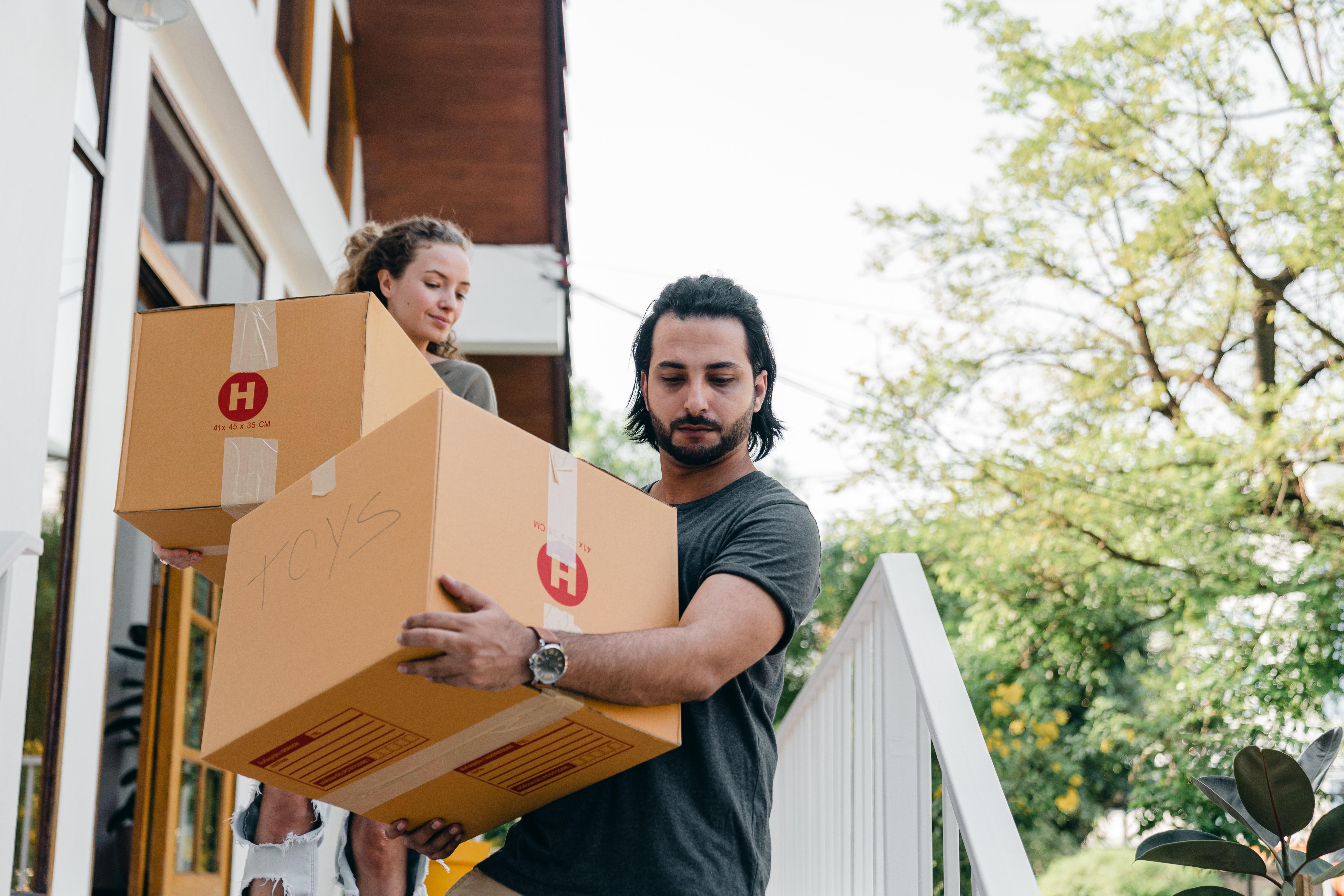 Transport do nowego domu, jak znaleźć odpowiednią firmę? - image